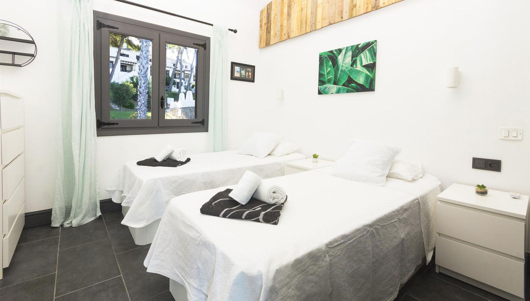 Una de les habitacions d'una lloguer de vacances a Moraira - Aguila Rent a Vila