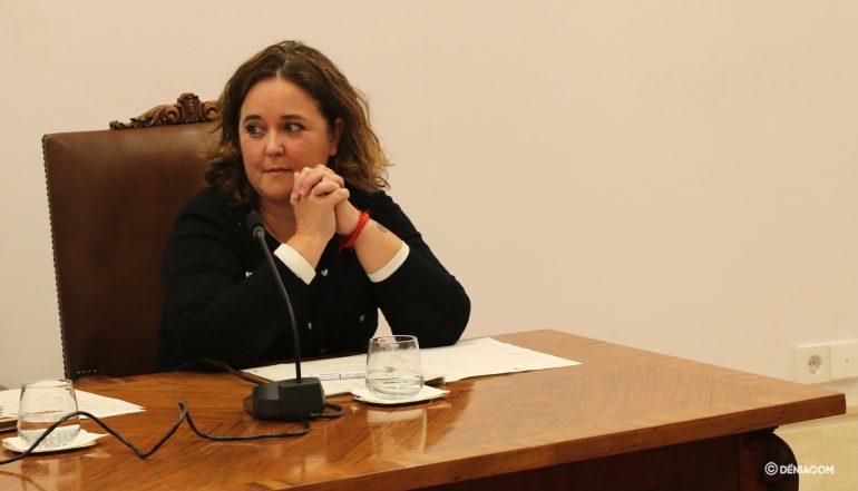 Maite Pérez Conejero durant el Ple