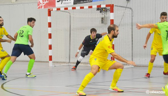 Imatge: Miguel en tasques defensives
