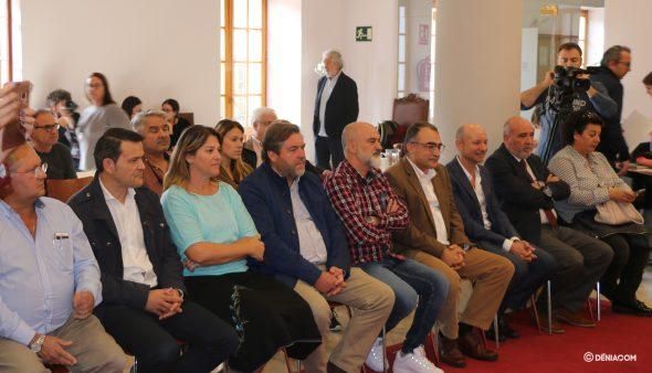 Изображение: политическое представительство в презентации D * NA Fòrum