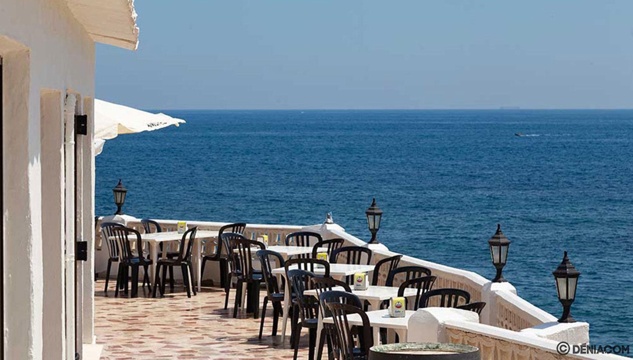 Terrassa amb vistes a la mar - Restaurant Mena