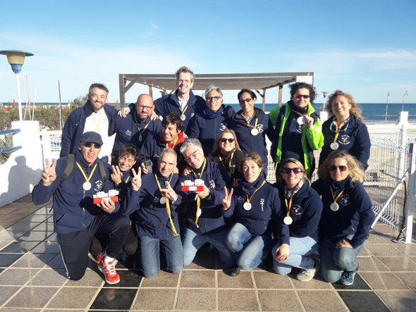 Imagen: Veteranas y Veteranos del Club Rem Marina Dénia