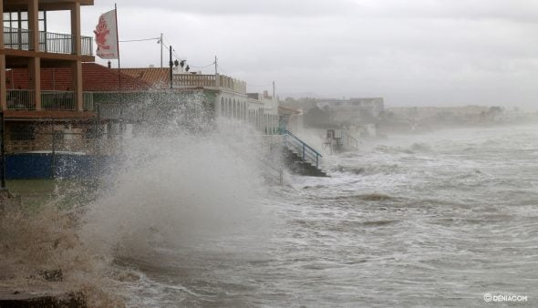 Image: The sea punishes Les Deveses again