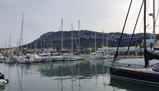 Image: The Montgó from the nautical port