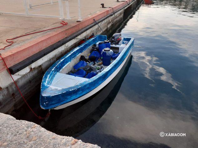 Imagen: Embarcación en la que viajan los 12 inmigrantes