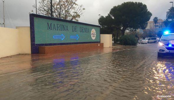 Imagen: Entrada de la marina de Dénia inundada