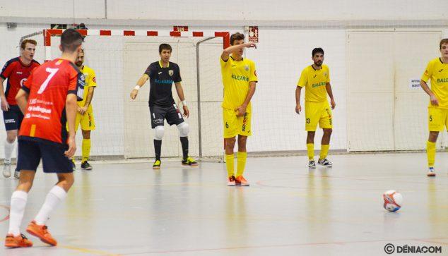 Imagen: Jugadores del Mar Dénia en posición defensiva
