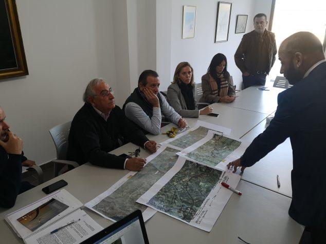Imagen: Junta Directiva en el estudio del Tren de la Costa
