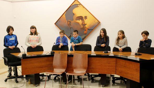 Imagen: Representantes de distintos colegios en el Consell