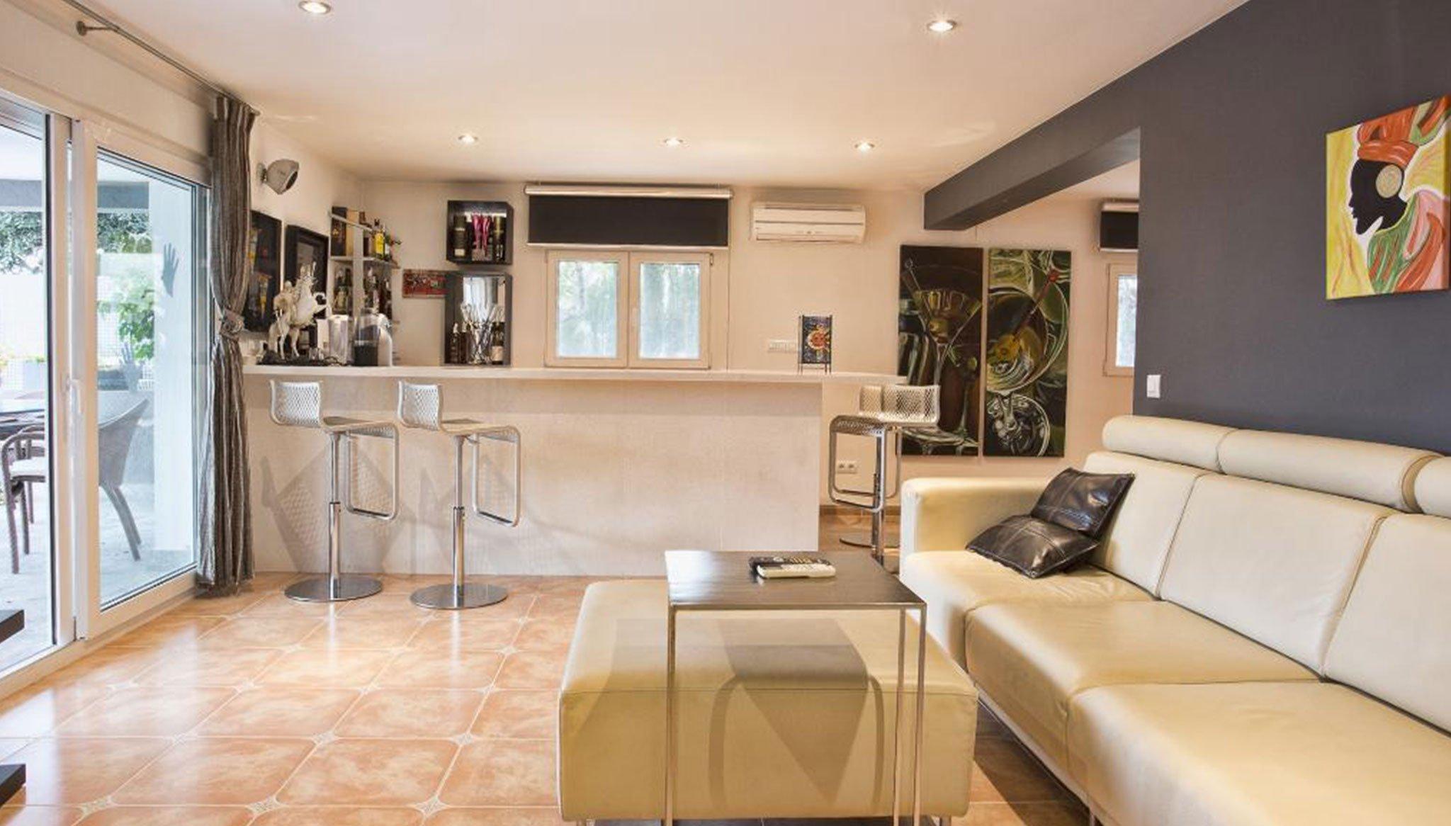 Бар, чтобы жить вместе в доме отдыха - Quality Rent a Villa