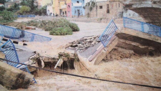 Imatge: El riu Girona va arrencar el pont de Beniarbeig en 2007 (Foto: Canfali Marina Alta)