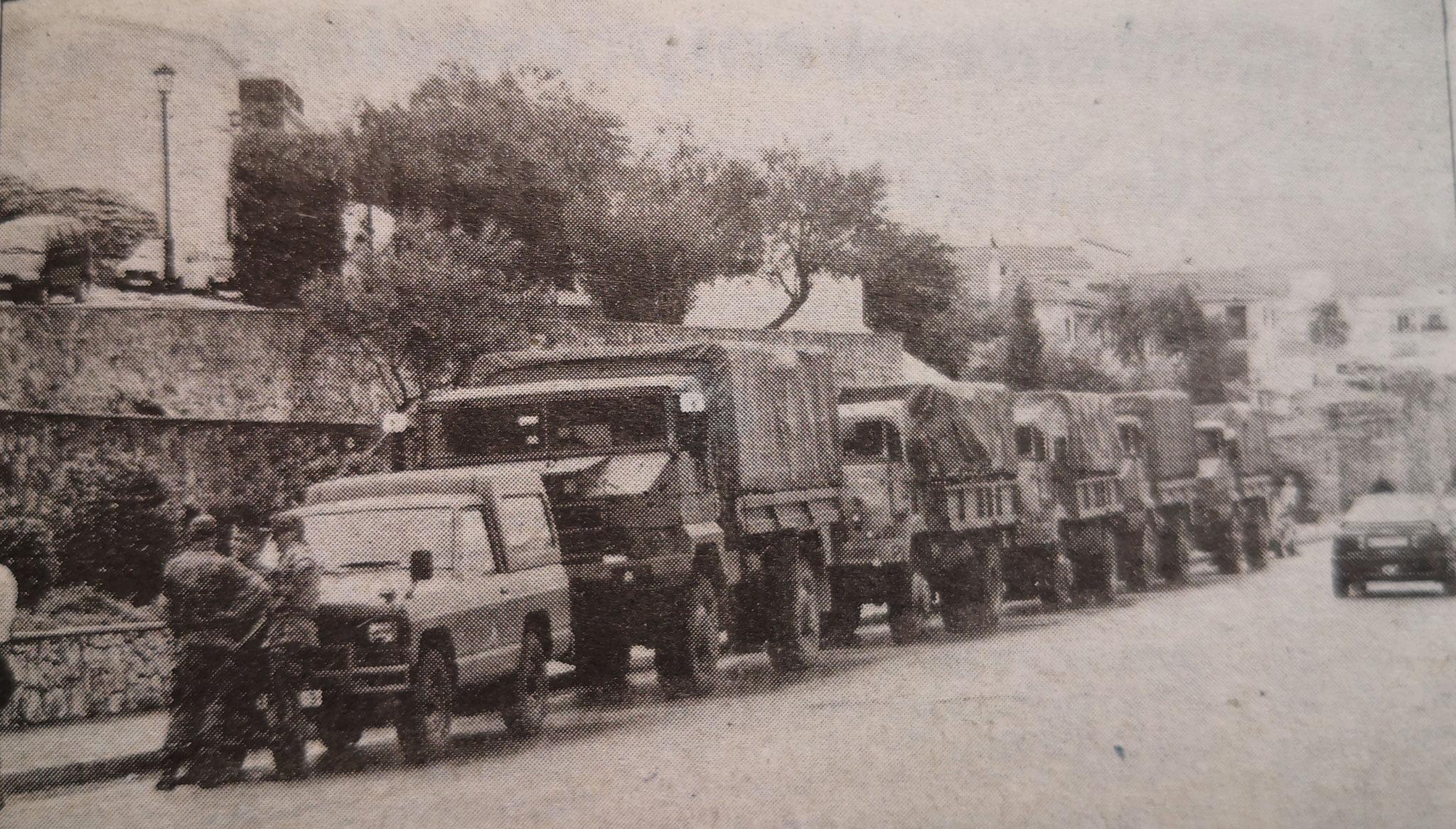Camions de l'exèrcit estacionats en Ronda de les Muralles a 1996 (Foto: Canfali Marina Alta)