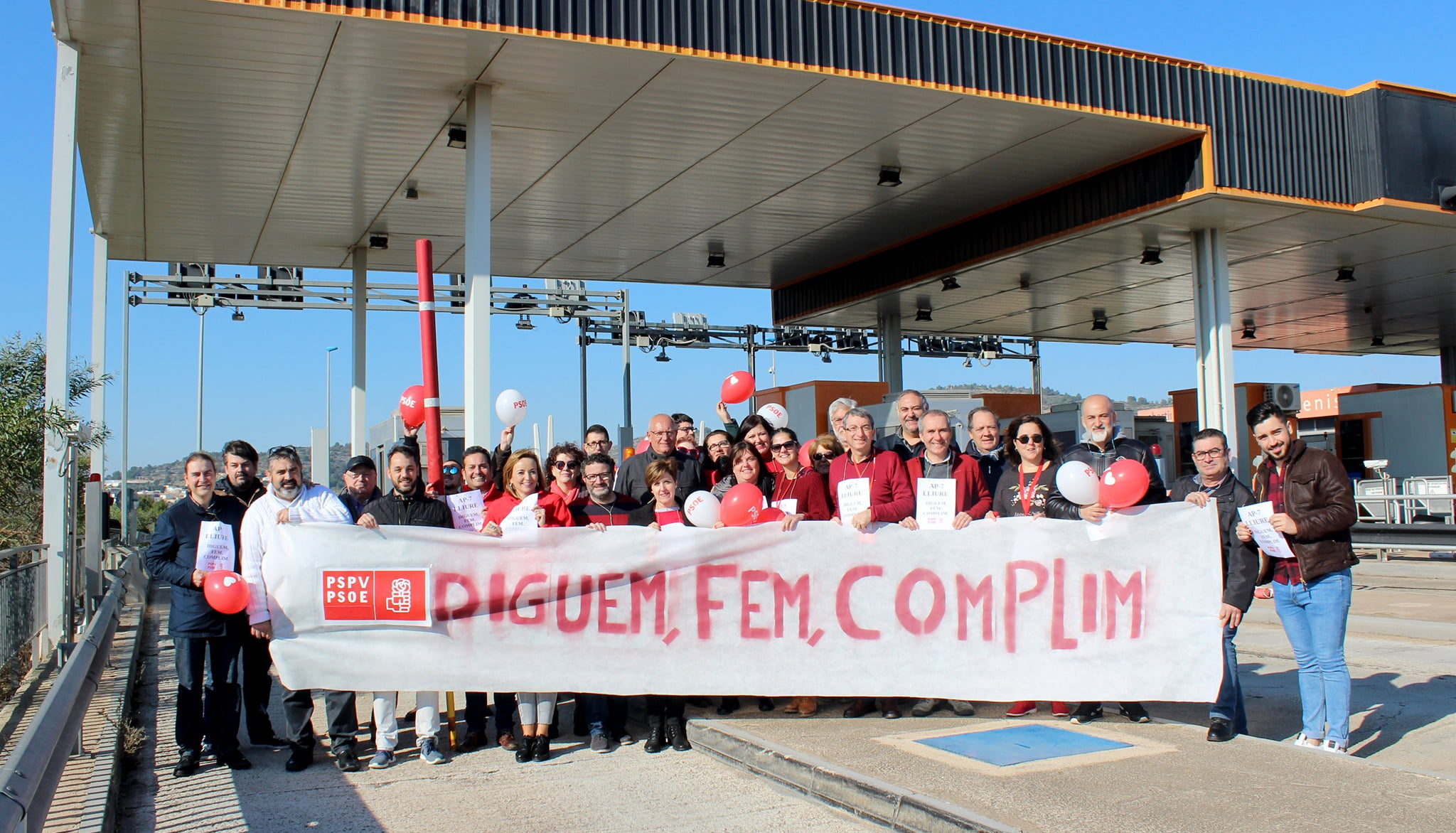 The PSPV celebrates the free of the AP-7 at the Benissa toll