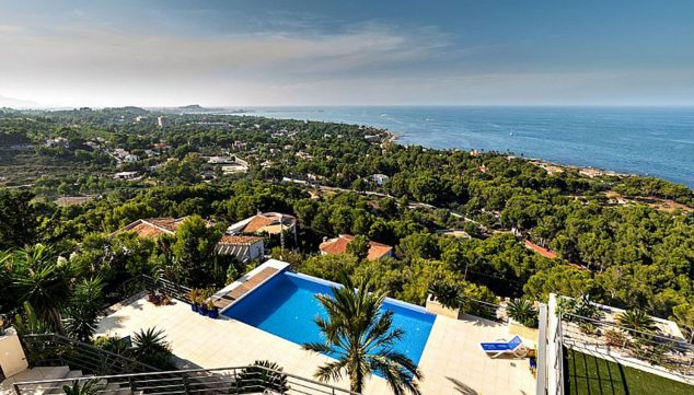 Image: Spectacular views of the sea and Dénia from a villa for sale - Euroholding