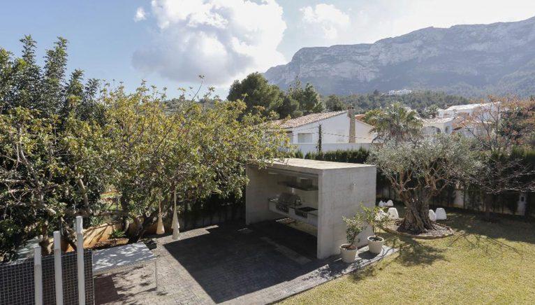 Экстерьер дома для отдыха в Дении - Quality Rent a Villa