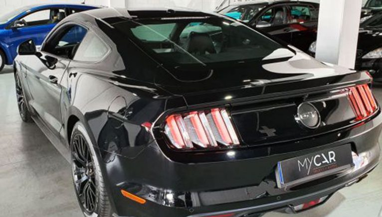 FORD Mustang Fastback 5.0 Ti-VCT GT Aut. Sports or coupe used, rear view - MY CAR Select Autos