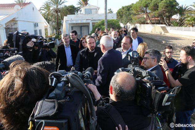 Imagen: Gran expectación mediática con la visita de Iglesias
