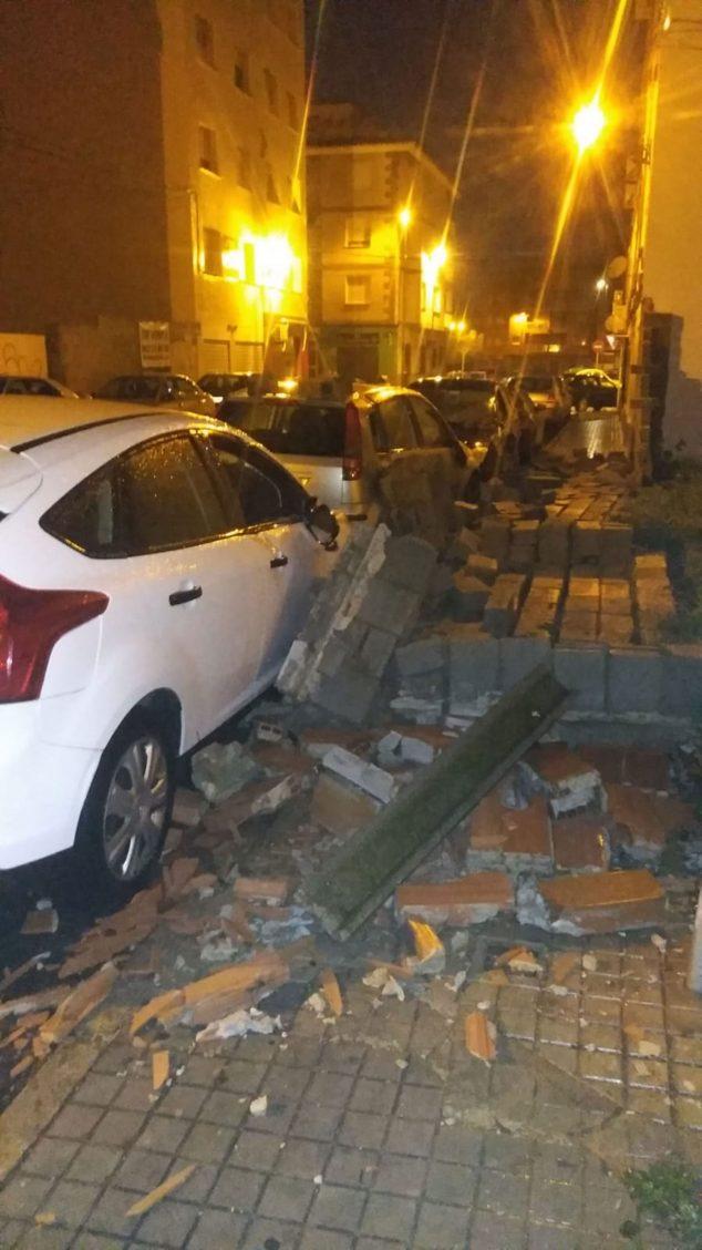 Image: Mur effondré sur l'Avenida de Alcoy de Dénia