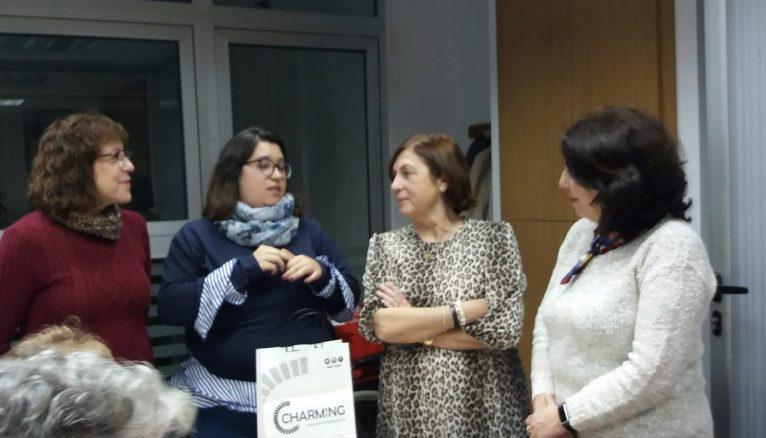 Núria Ivars junto a la asociación