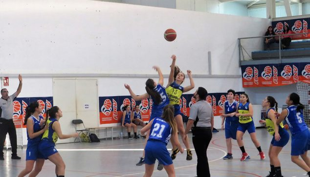 Image: Initial jump in the Dénia-Almussafes junior girls