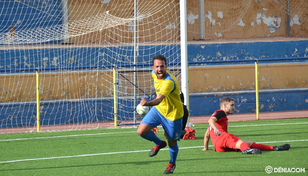 Santafé après avoir marqué son but