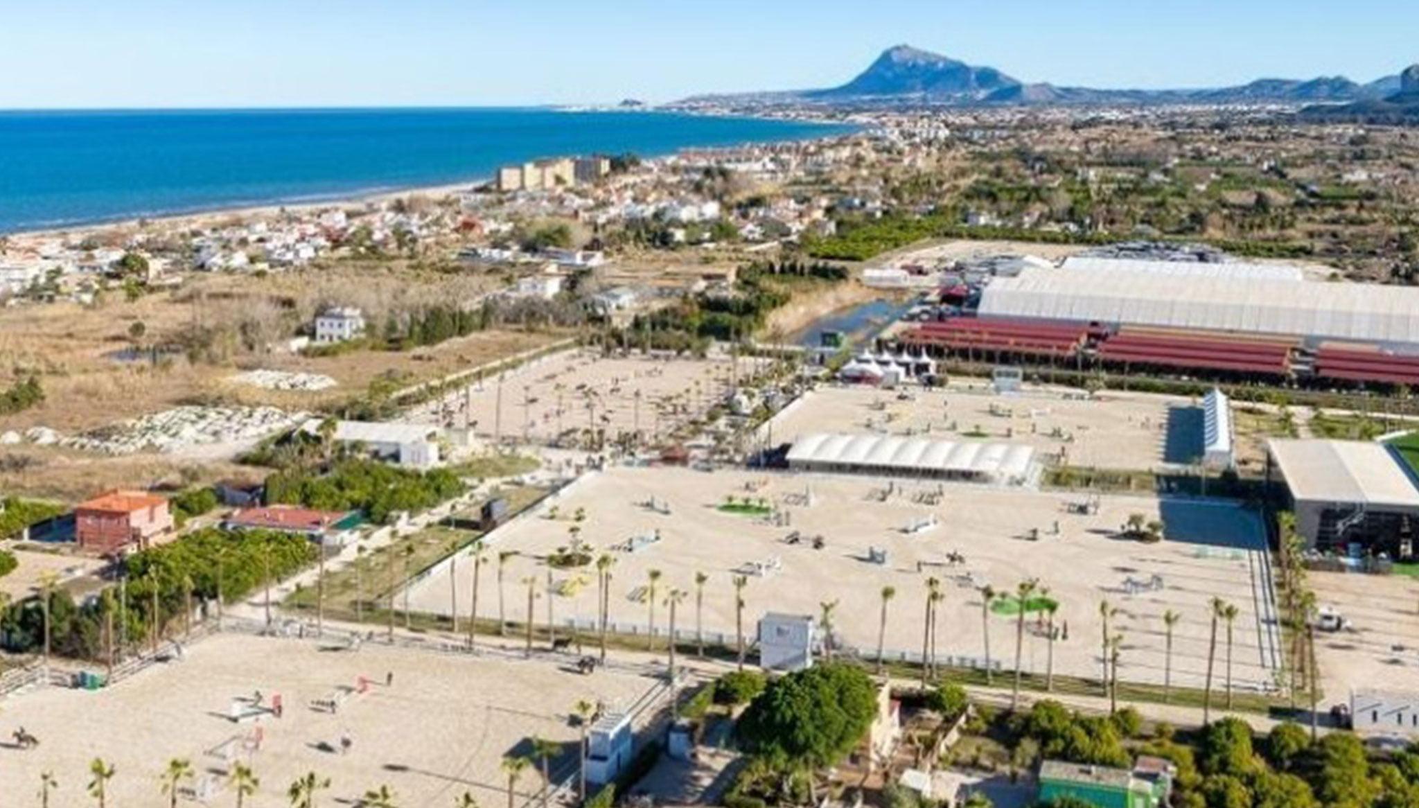 Aerial view of the Oliva Nova facilities