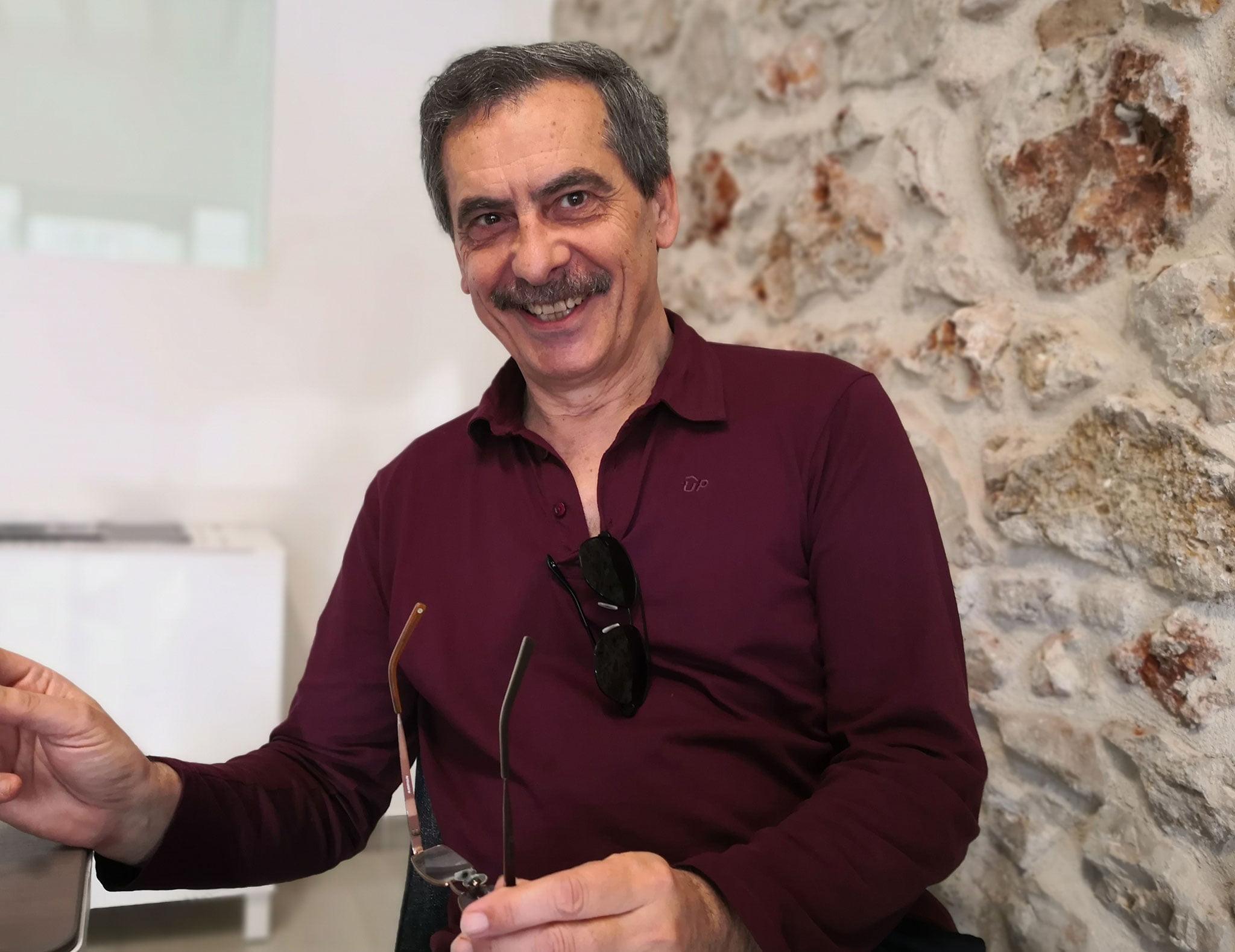 Carles Doménech, autor de l'obra divulgativa «La Dénia de l'pòrtland, Ciment i taronges, XNUMX dífícil Encaix»