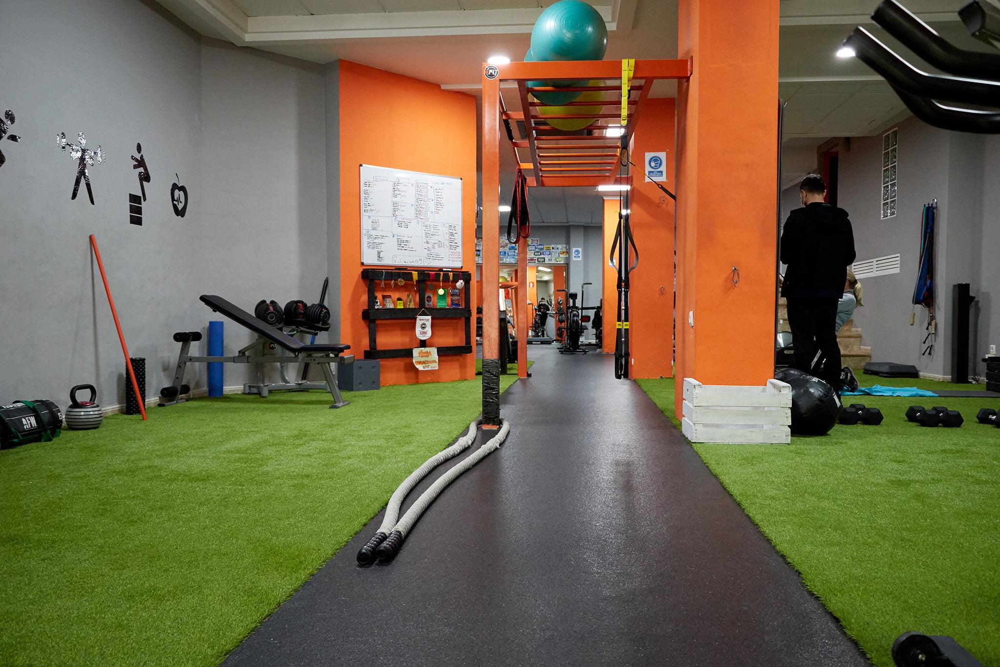 Diversos espacios de entrenamiento – Bfit