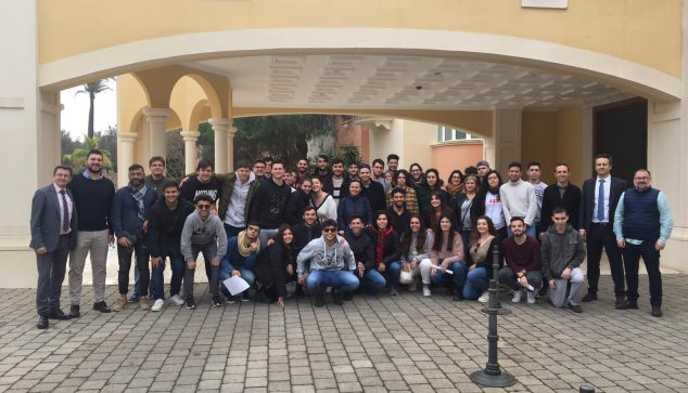 Bild: Studenten im Marriot La Sella Golf Hotel
