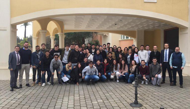 Estudiants visitant l'Hotel Marriot La Sella Golf