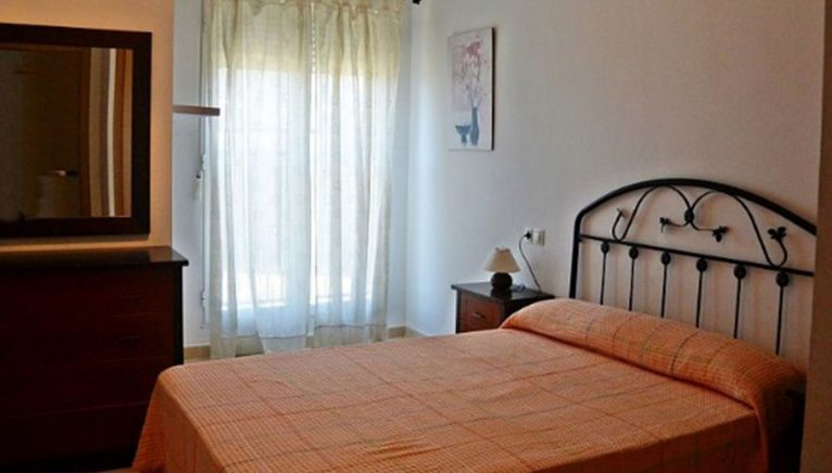 Una de les dues habitacions d'un dúplex a la venda - Euroholding