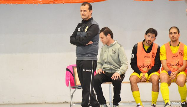 Imatge: Jordi Duran entrenador de l'CFS Mar Dénia
