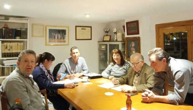 Image: Current board of the Casa de Andalucía: Pedro Ayala, to the left of the photo; Eva Núñez, the president, Pedro González, Loli Cubiles, Tere Gisbert, Pepa Reyes
