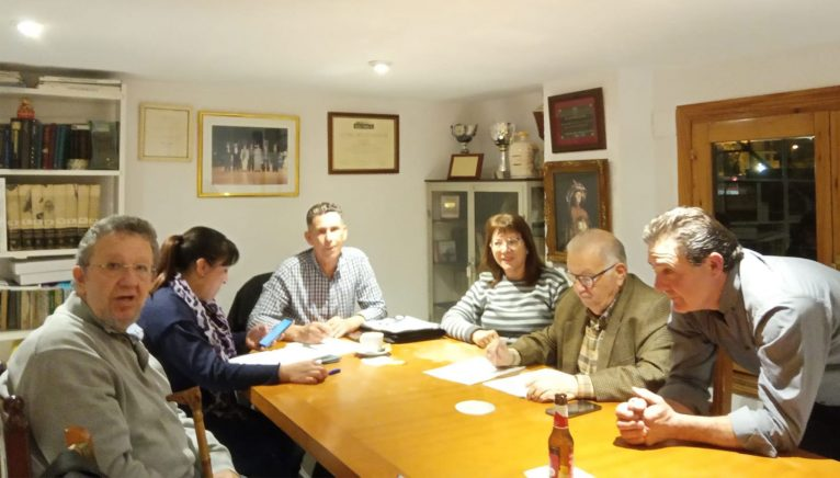 Junta directiva actual de la Casa de Andalucía: Pedro Ayala, a la izquierda de la foto; Eva Núñez, el presidente, Pedro González, Loli Cubiles, Tere Gisbert, Pepa Reyes