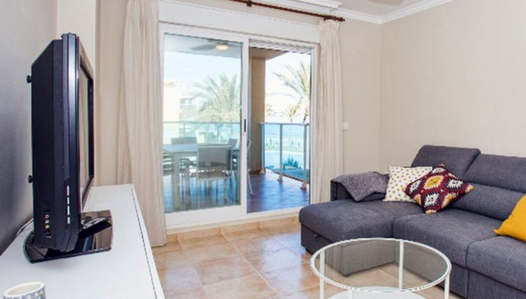 Living room of an apartment on the beach for rent in Dénia - Deniasol