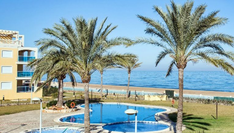 Views from a beachfront apartment for rent in Dénia - Deniasol