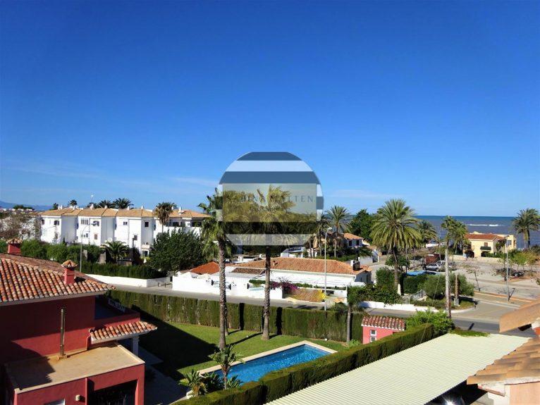 Vistas desde un ático en venta en Dénia - Casas Singulares