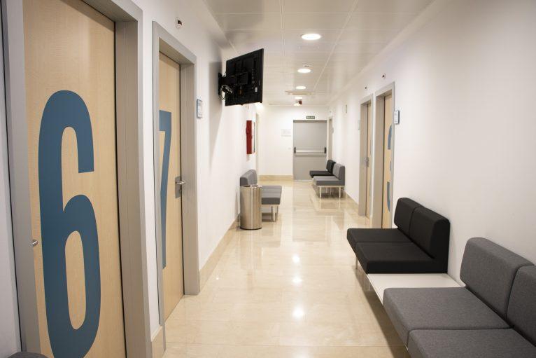 Zona de consultas especializadas - HLA San Carlos