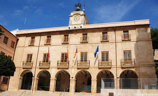 Imagen: El Ayuntamiento de Dénia explica el funcionamiento del municipio en relación con la alerta sanitaria del coronavirus