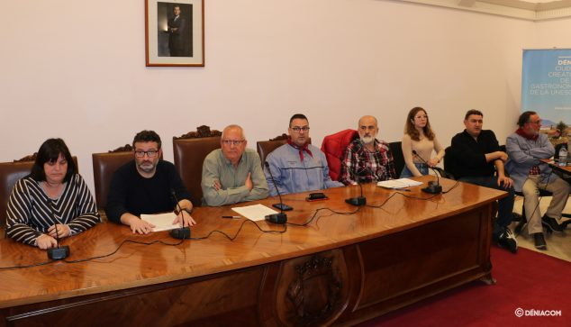 Image: Town Hall and Board after the meeting