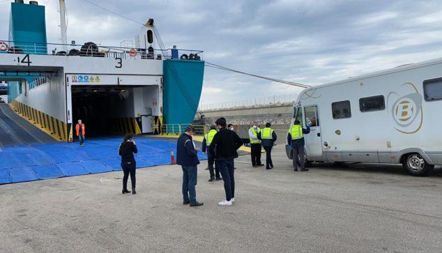 Imatge: Caravana embarcant