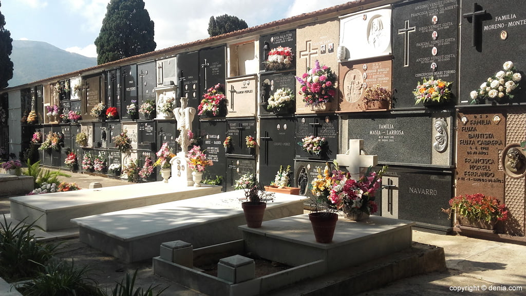 Кладбище Дения