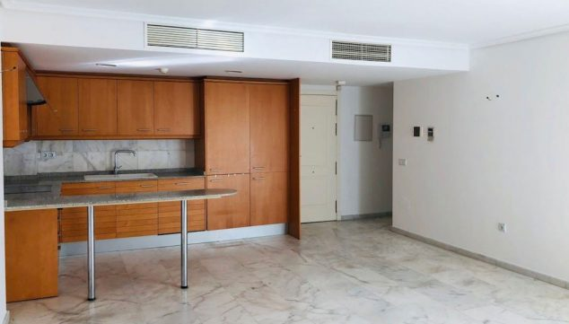 Image: American kitchen in a three bedroom apartment for sale in Moraira - Mare Nostrum Inmobiliaria