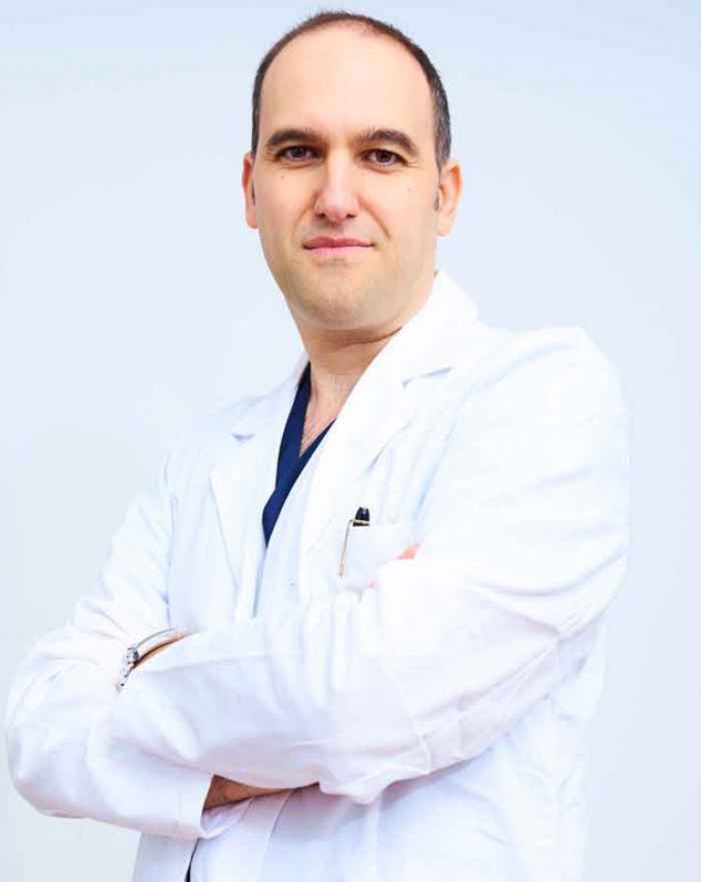 Image: Dr. Pablo Martínez, traumatology expert - Dr. Iris Alexandra Henkel