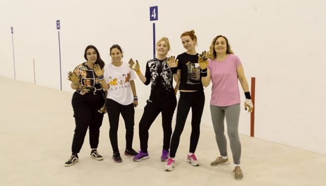 Imagen: Equipo femenino de pilota de la EM Pilota Dénia