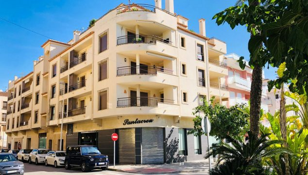 Image: Facade of the building where apartments are for sale in Moraira - Mare Nostrum Inmobiliaria
