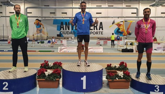 Image: Juanra Pous in first place on the podium