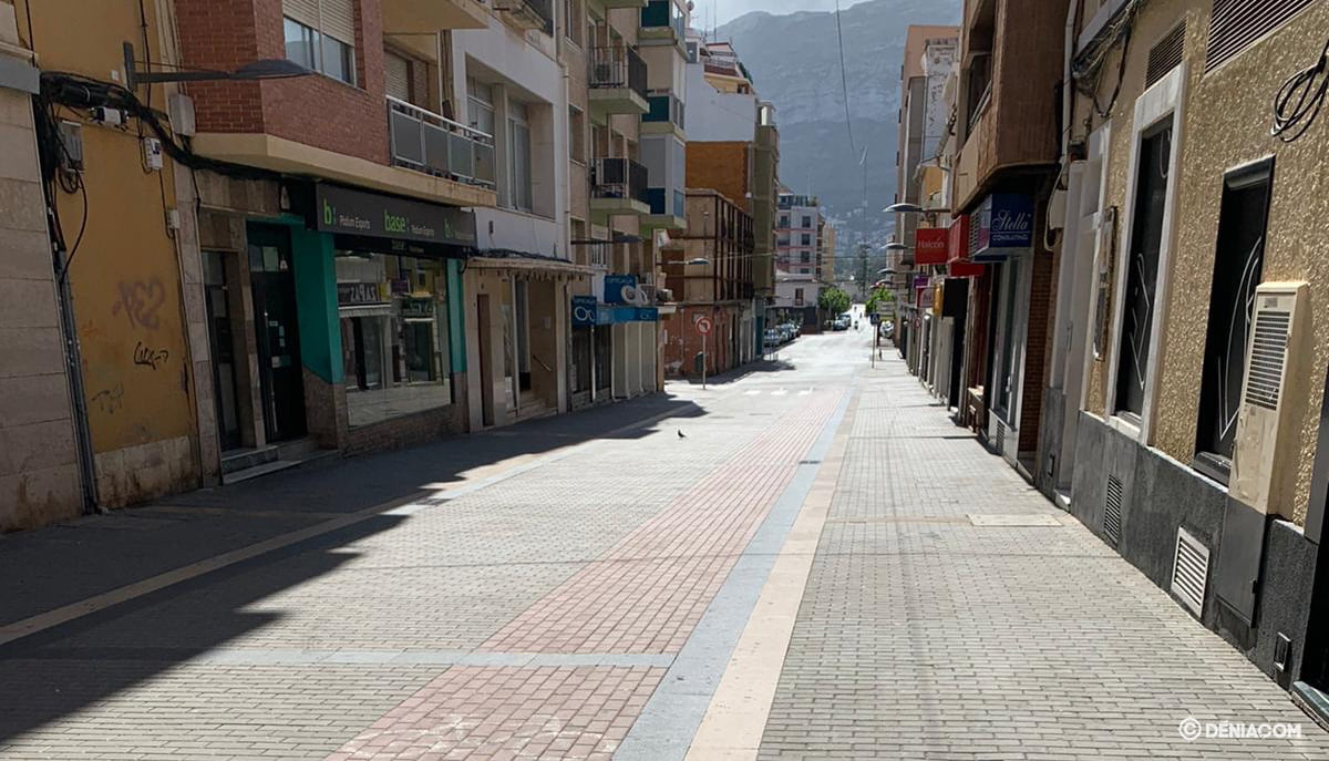 The deserted streets of Dénia 2