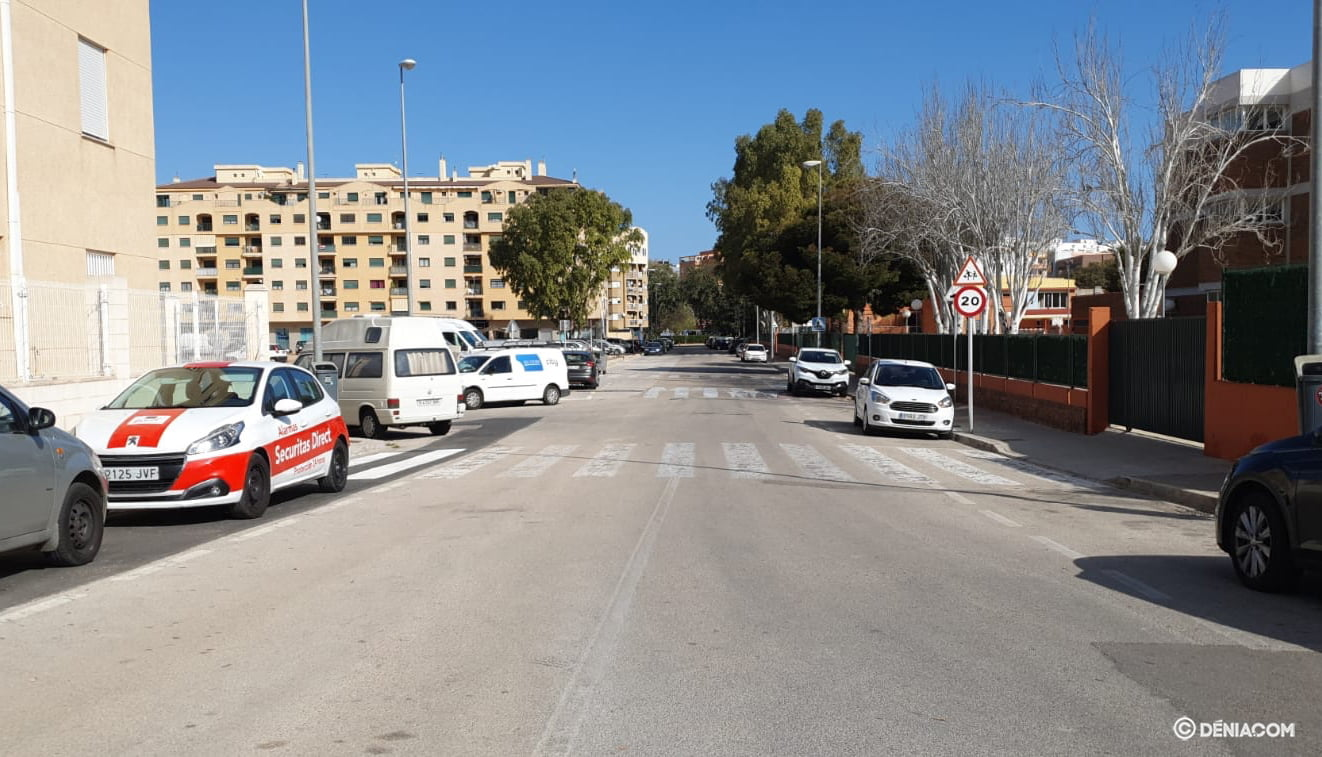 The deserted streets of Dénia 7