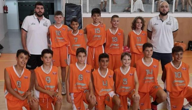 Image: Massimo with the Valencian Alevín National Team in a Tarragona tournament
